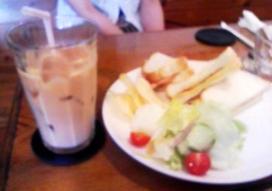 ブンブン紅茶店のランチ